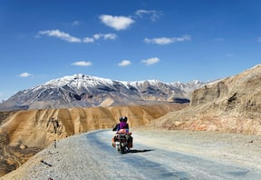 Manali Leh Manali Bike Tour
