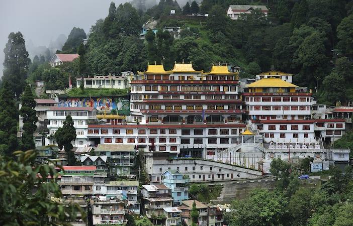 Darjeeling Honeymoon tours, Best Honeymoon in Darjeeling - Yatra com