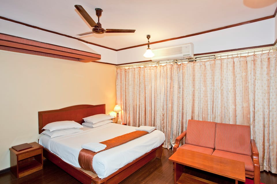 Hotel Palace Plaza, Sri Harsha Road, Hotel Palace Plaza