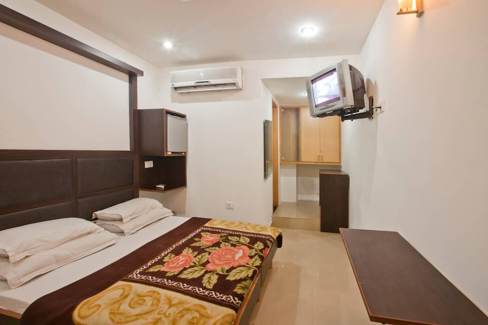 Hotel Crown Continental, Karol Bagh, Hotel Crown Continental