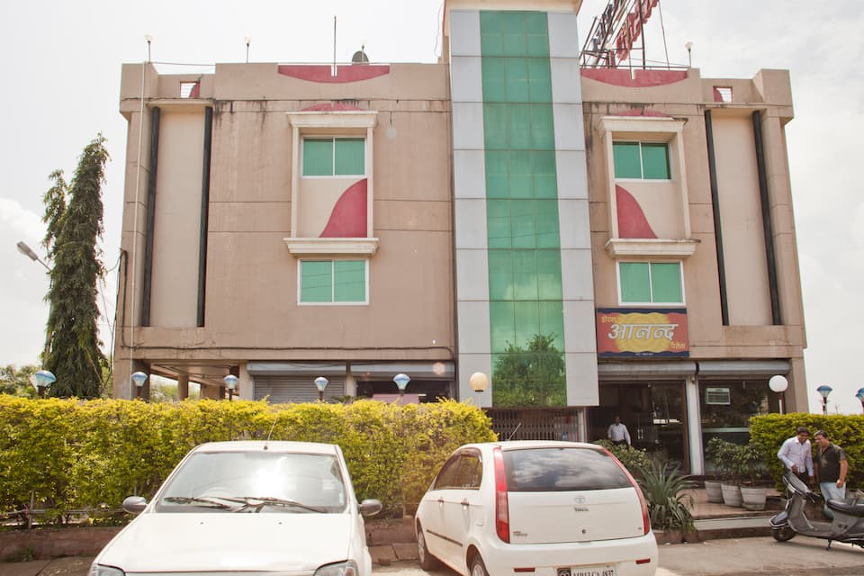 Hotel Anand Palace, Nanakheda Bus Stand, Hotel Anand Palace