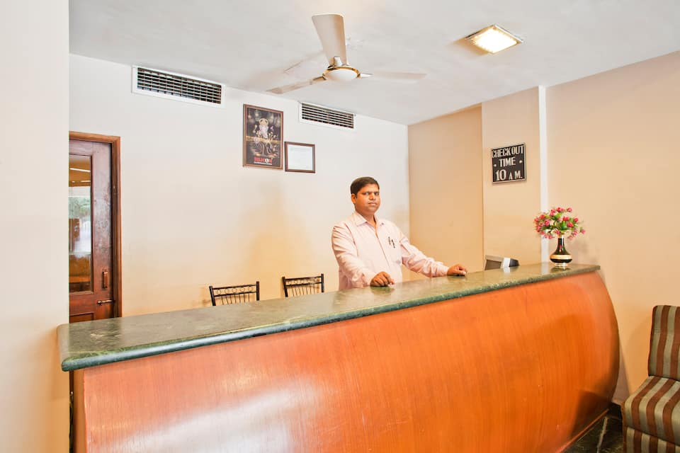 Hotel Grand Tower, Freeganj, Hotel Grand Tower