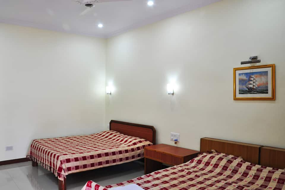 Hotel Mayfair, L C Dsouza Road, Hotel Mayfair