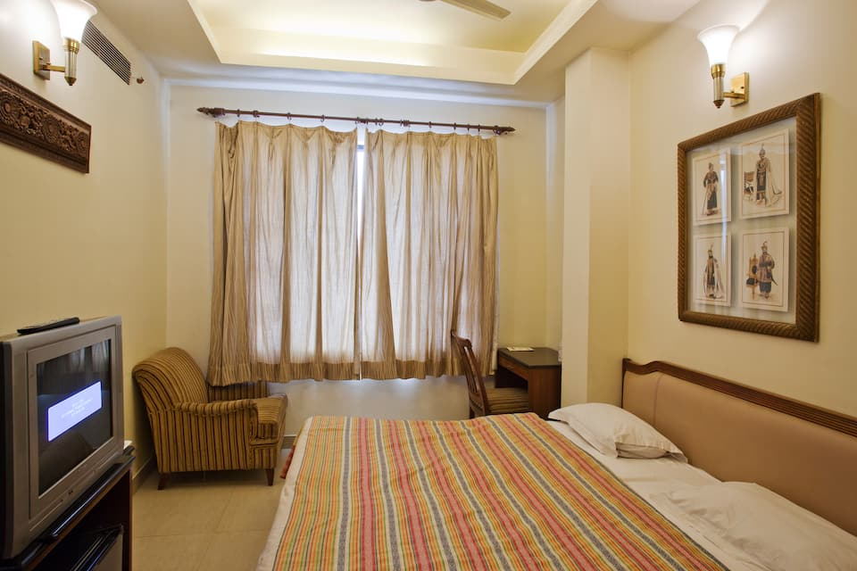 Hotel Indus, Near Golden Temple, Hotel Indus