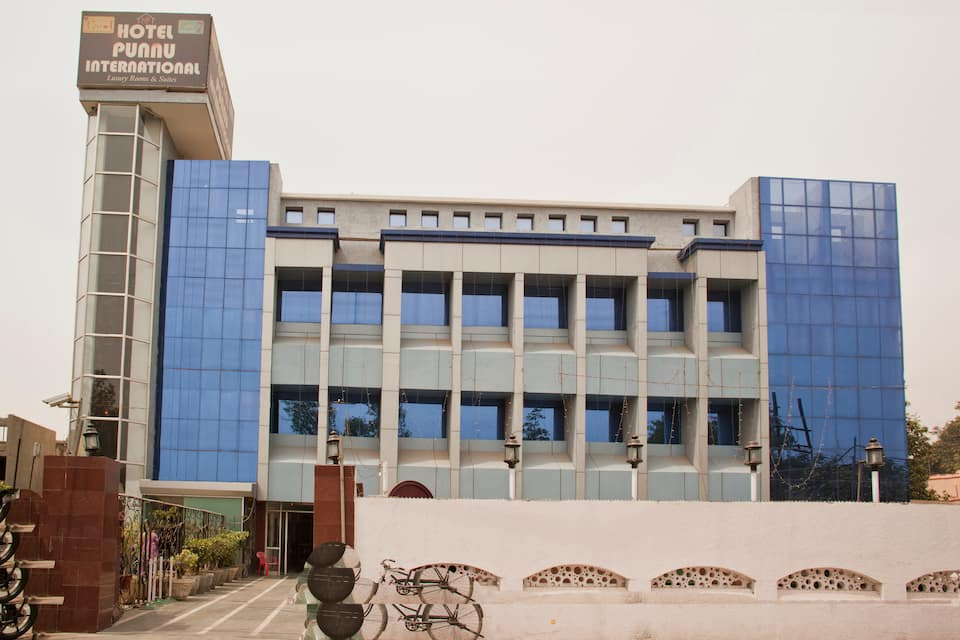 Hotel Punnu International