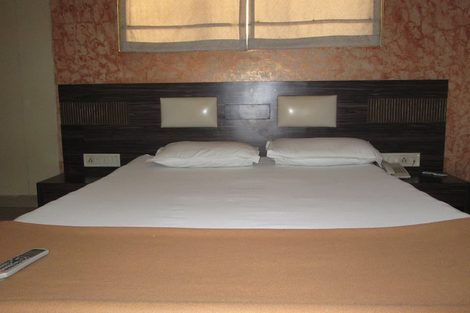 Lakshmi Palace Lodging And Bording, Dahisar, Lakshmi Palace Lodging And Bording