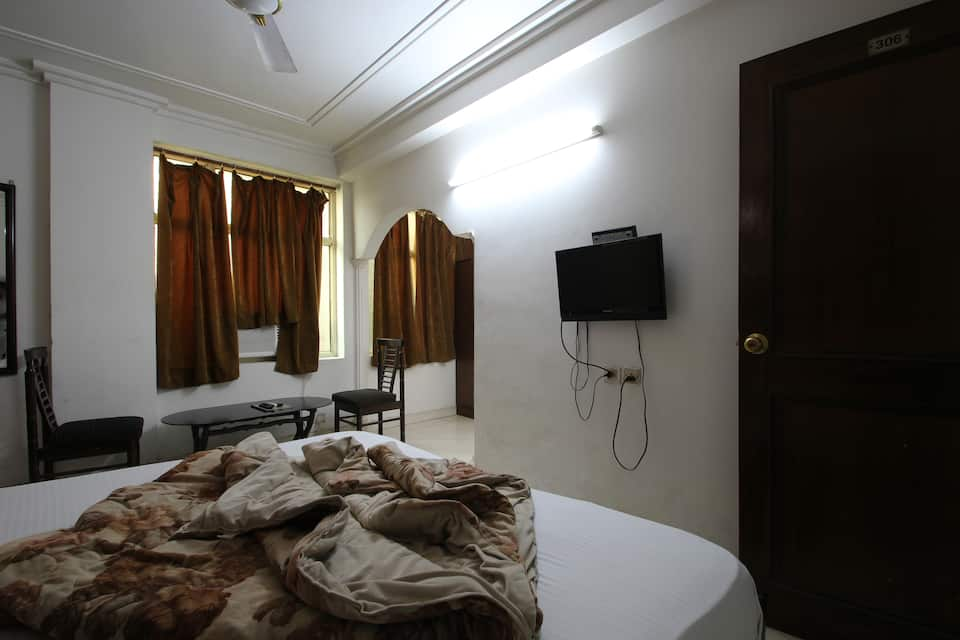 Hotel R S International, Paharganj, Hotel R S International