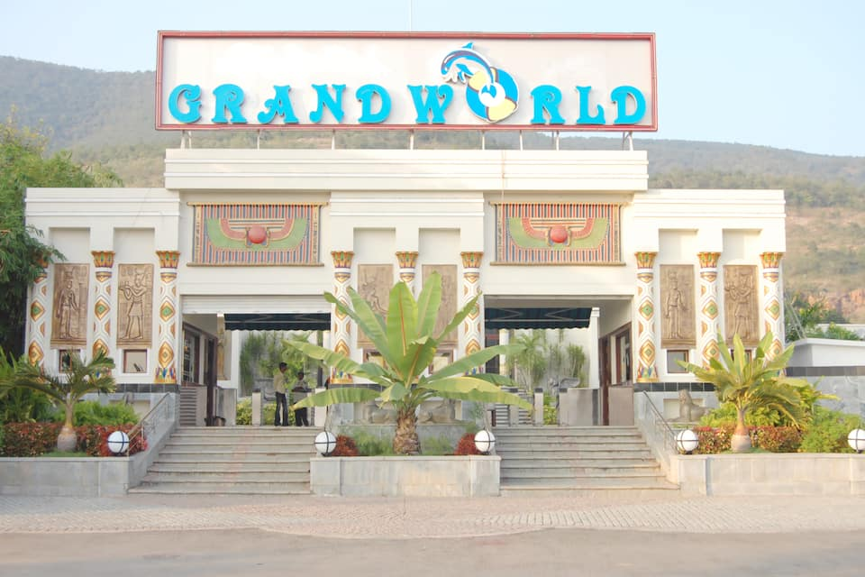 Grand World Theme Park & Resort