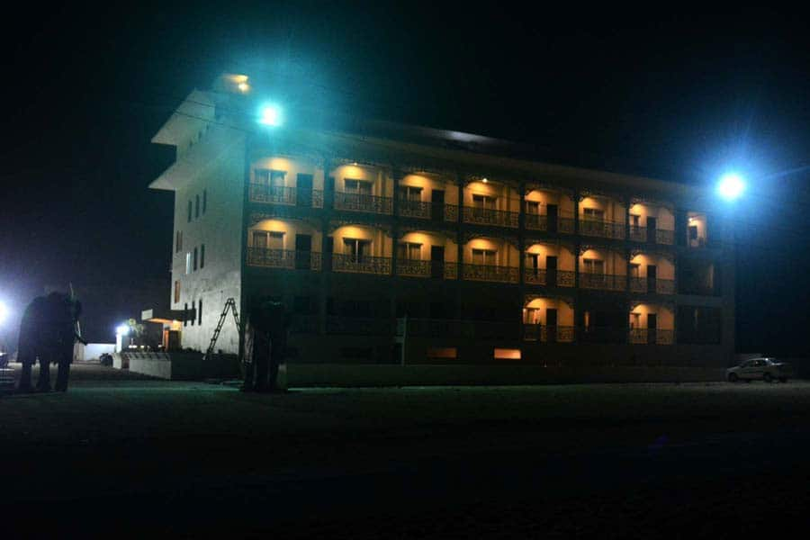 Hotel East West, Baliapanda, Hotel East West