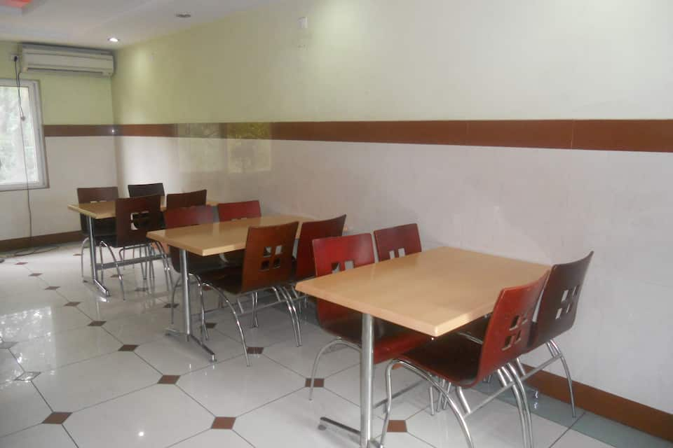 The Chakrie Residency Hotel, Tiruchanoor Road, The Chakrie Residency Hotel