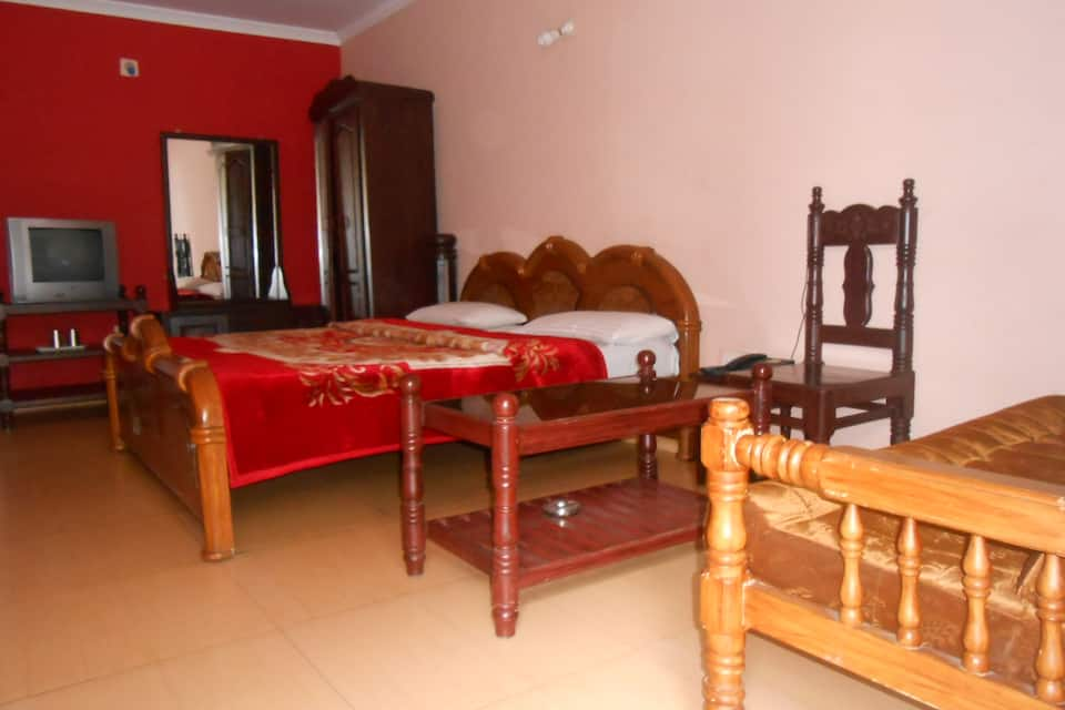 Lakshmi Nivas Cottage, Club Road, Lakshmi Nivas Cottage