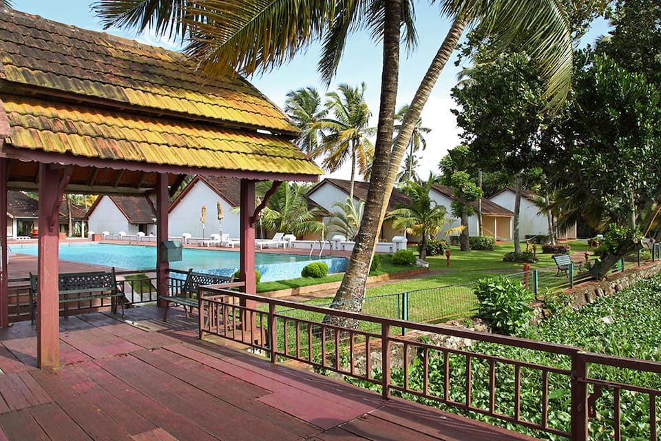 Abad Whispering Palms Lake Resort, Nazrath Church Road, Abad Whispering Palms Lake Resort