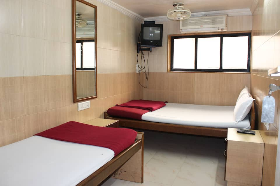 Hotel Comfort Inn, Churchgate, Hotel Care Inn