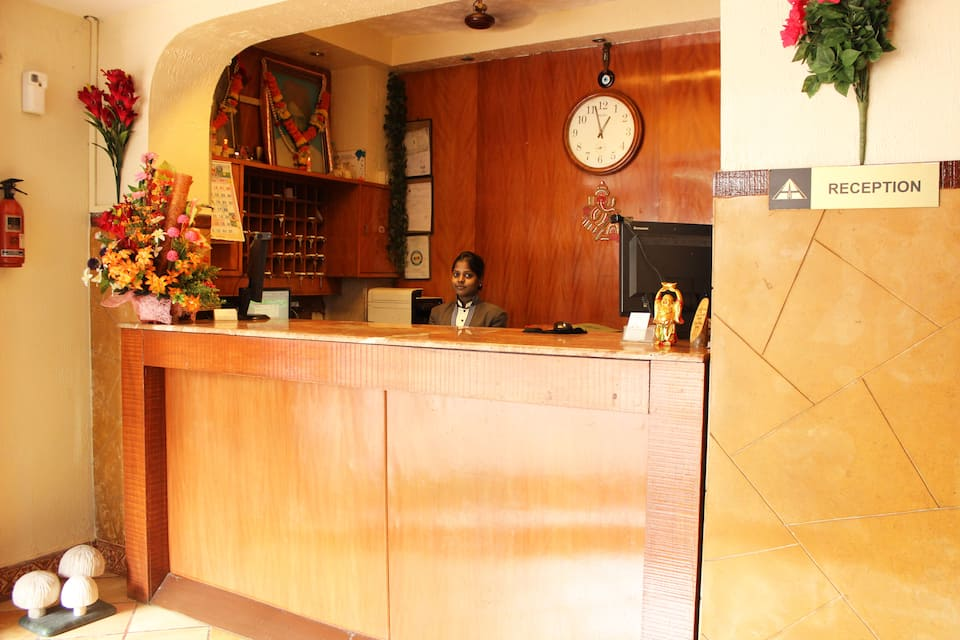 Hotel Highway Inn (Complimentary Wi-Fi), Andheri Kurla Road, Hotel Highway Inn (Complimentary Wi-Fi)