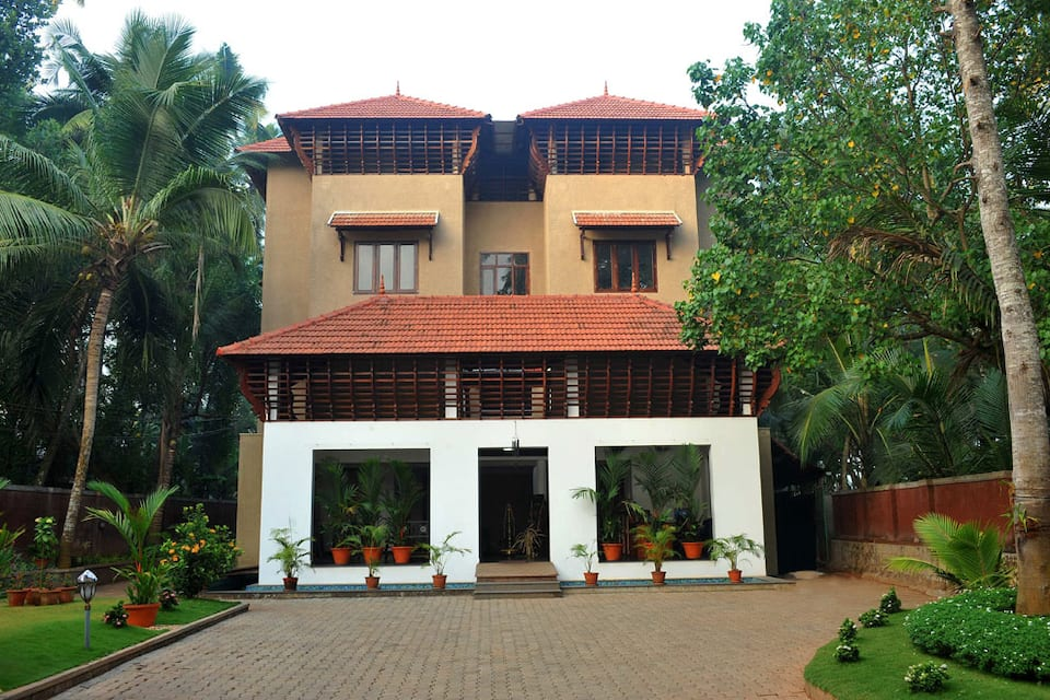 Ananda Lakshmi Ayurveda Retreat