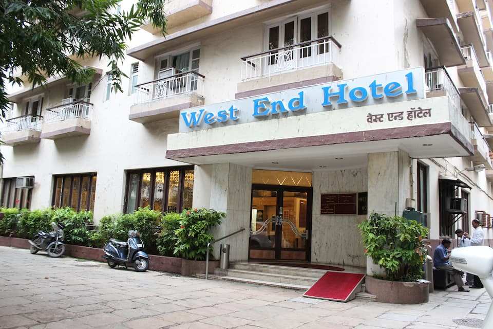 West End Hotel, Marine Lines, West End Hotel