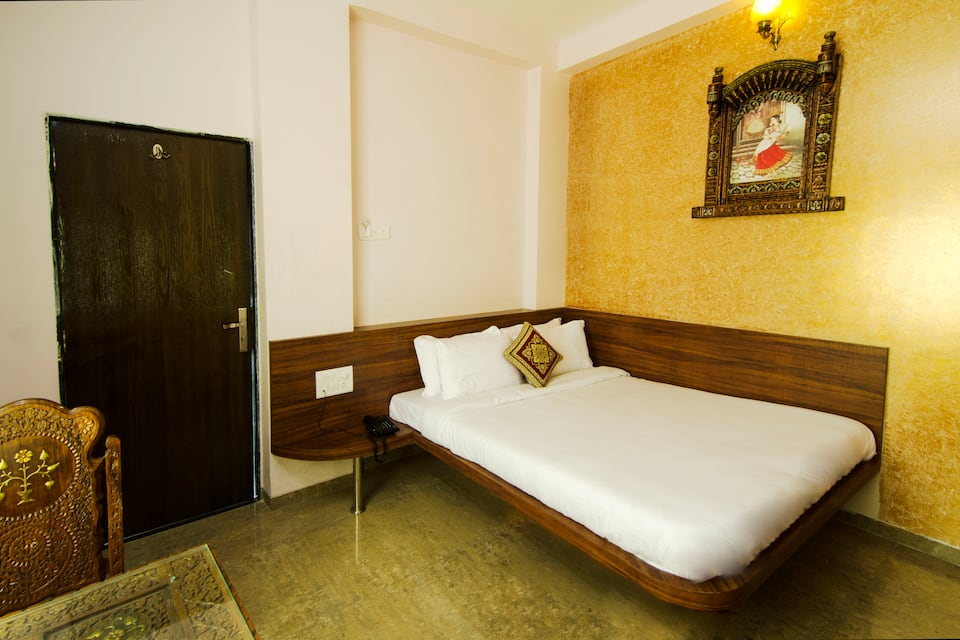 Hotel Paradise For You, Manmad Road, Hotel Paradise For You