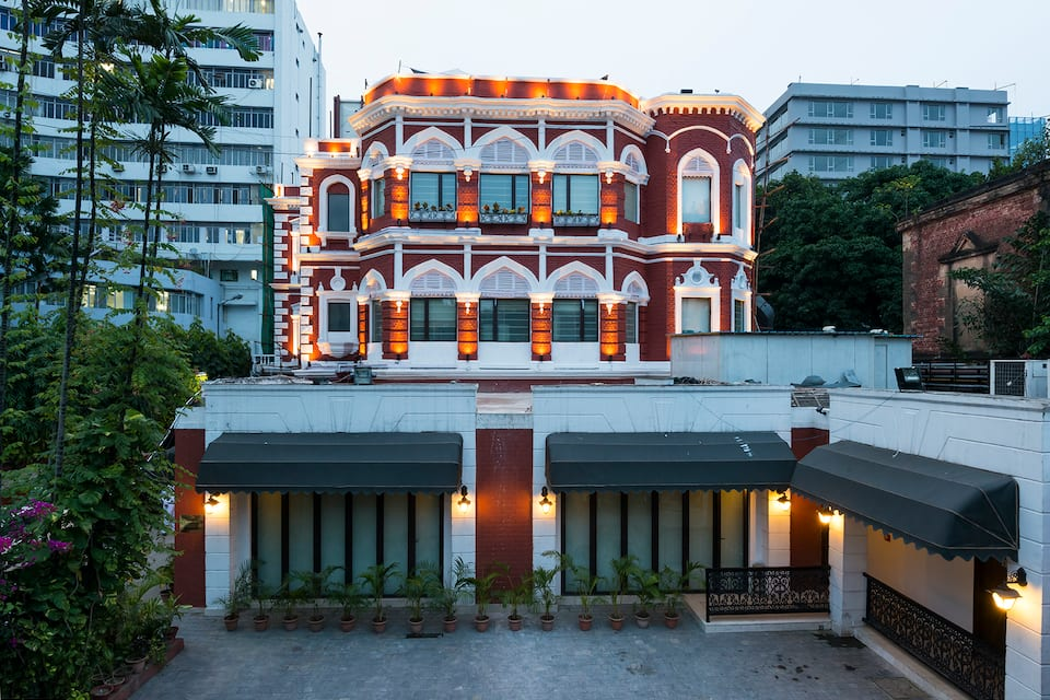 The Astor Hotel (Heritage Hotel), Shakespear Sarani, The Astor Hotel (Heritage Hotel)