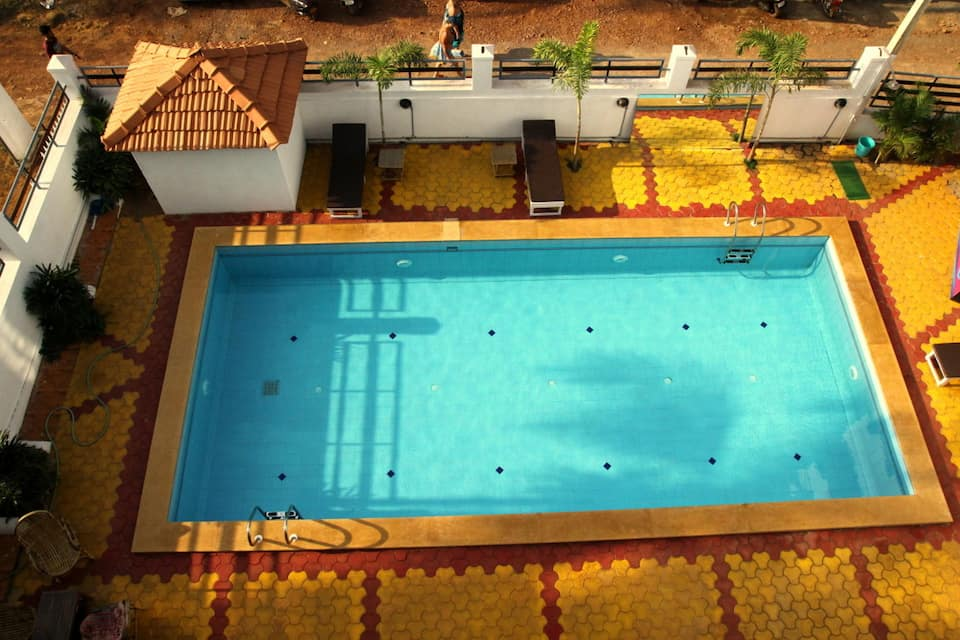 Pleasure Beach Resort, Morjim, Pleasure Beach Resort