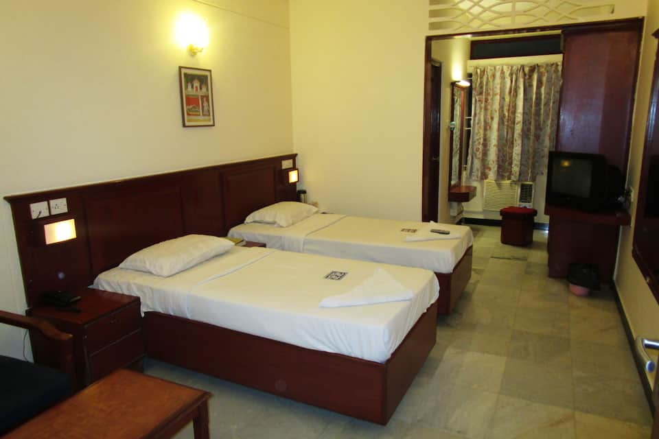 Hotel Rathna Residency, West Perumal Maistry Street, Hotel Rathna Residency