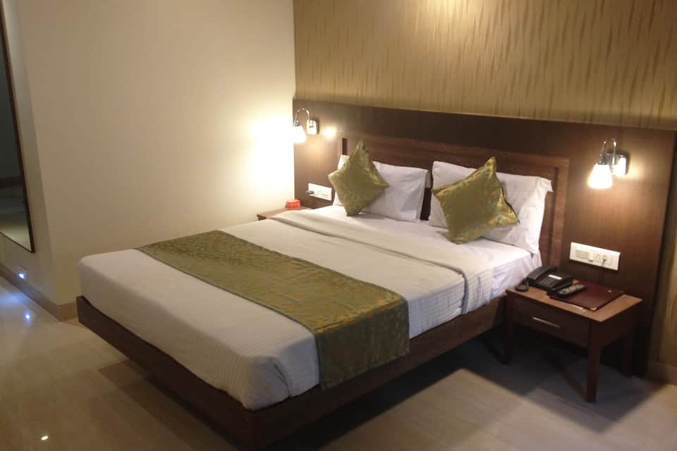 Mint, Dhole Patil Road, Quality Inn Mint