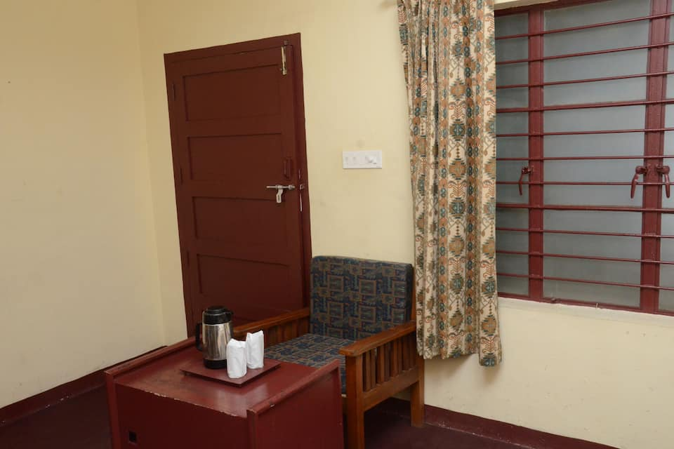 Mermaid Hotel, Munnar Panchayat Hall, Mermaid Hotel