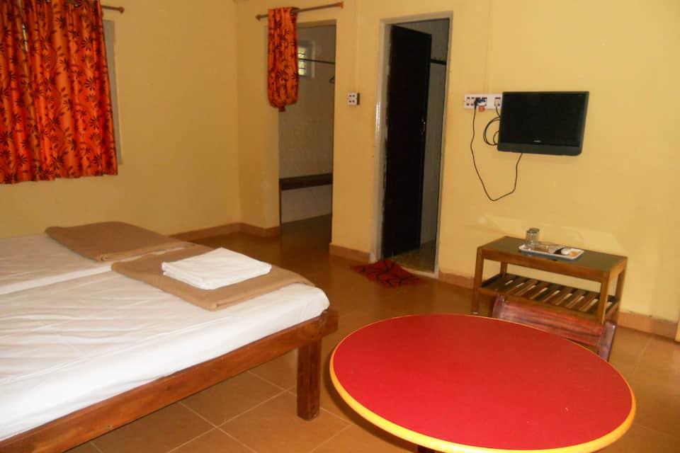 go green homestay in kumta book room night