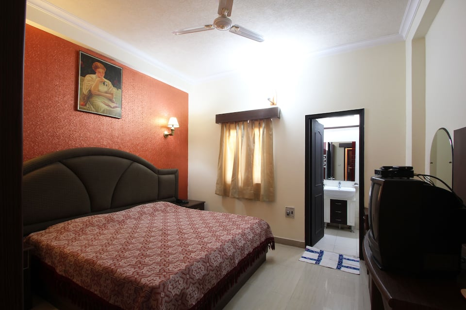 Bharat Resorts, Old Mussoorie Road, Bharat Resorts