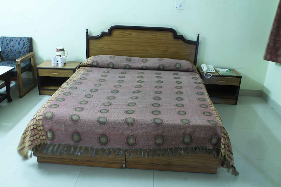 Hotel Siddharth( A Family Budget Hotel), Prince Chowk, Hotel Siddharth( A Family Budget Hotel)