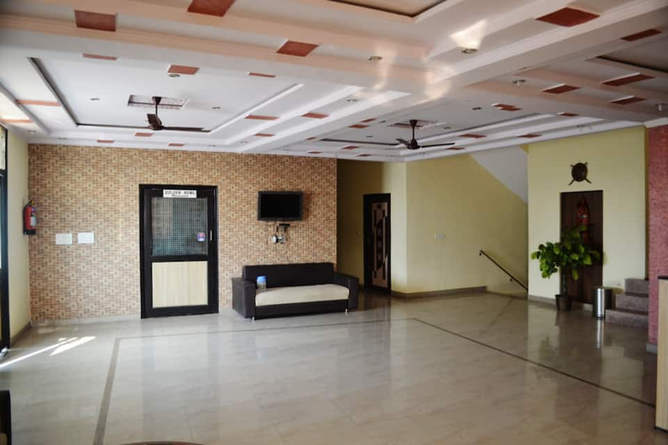 Aicon Palace, Fatehabad Road, Aicon Palace