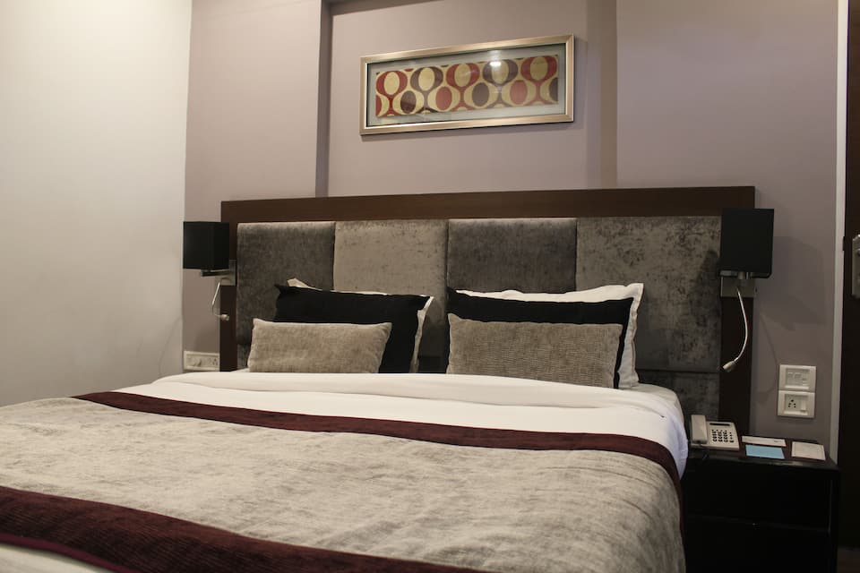 Coronet Luxurious Service Apartment, Kharadi, Coronet Luxurious Service Apartment