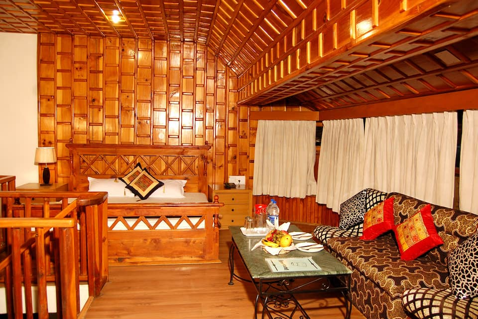Hotel D Chalet, Club House Road, Hotel D Chalet