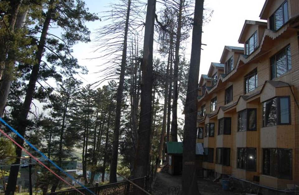 Hotel Zahgeer Continental, First Point Gulmarg, Hotel Zahgeer Continental