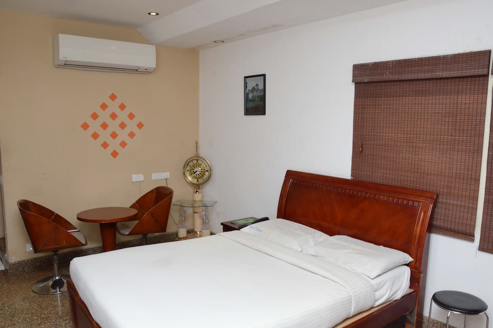 The Retreat Hotel, Tambaram, The Retreat Hotel