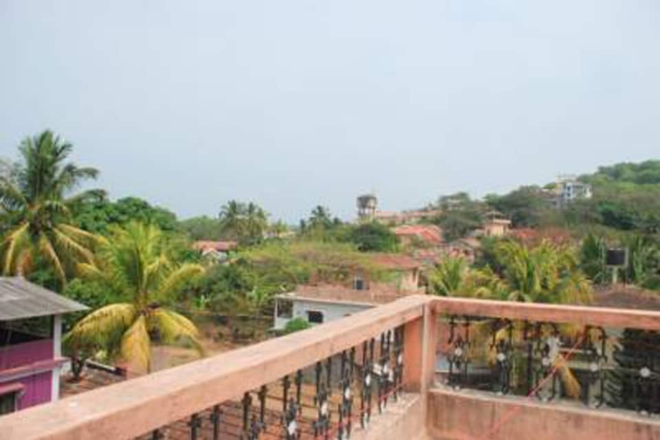 Cain Holiday Homes, Candolim, TG Stays Earthen Oven Restaurant