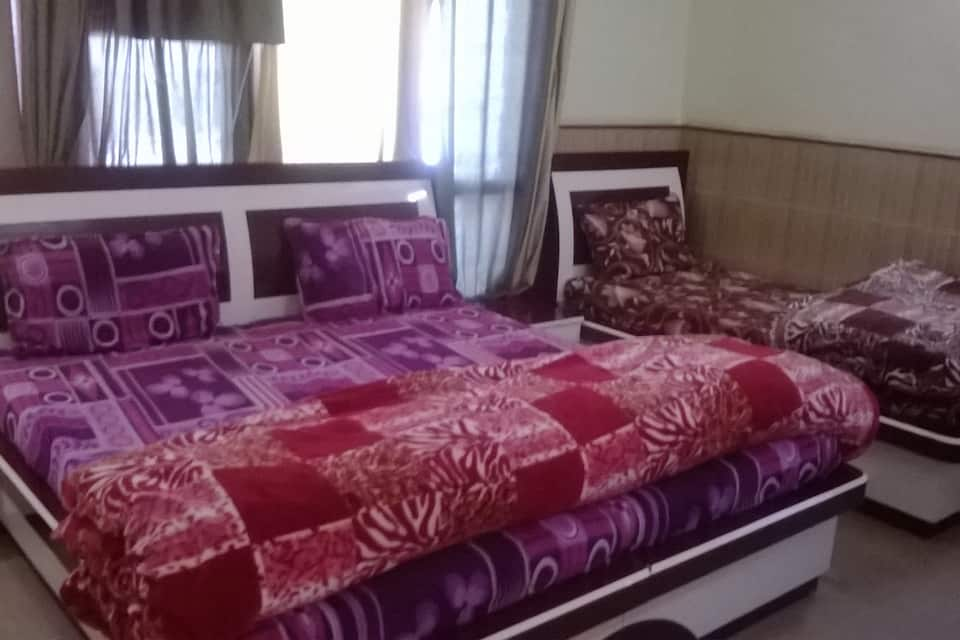 Dayal Guest House, Near Katra Bus Stand, Dayal Guest House