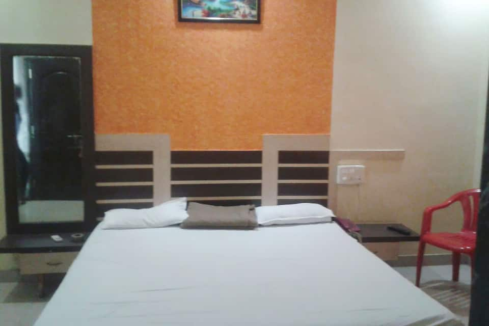 Hotel ShriRam Dining & Aryan Lodge