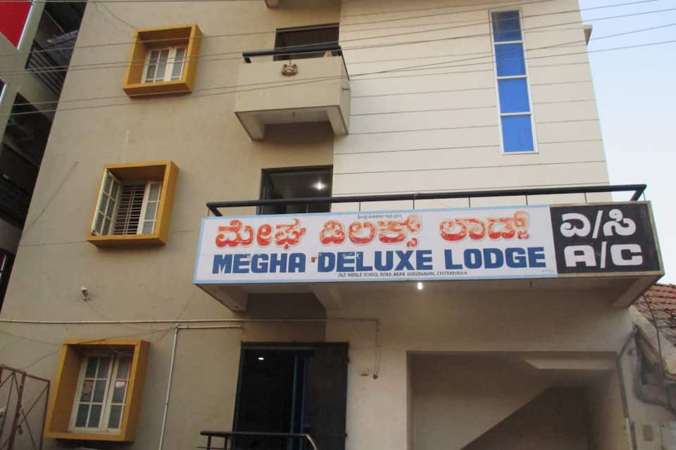 Megha Deluxe Lodge