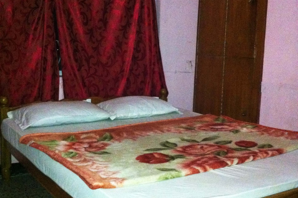 Dheena Ranga Home Stay Residency, Elk Hill Road, TG Stays J.S.S. Road