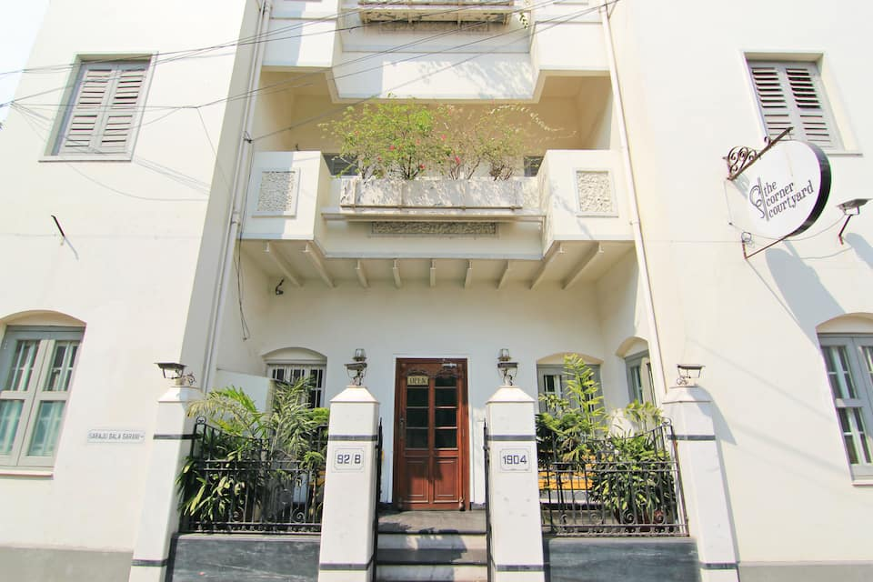 The Corner Courtyard, Sarat Bose Road, The Corner Courtyard