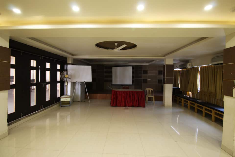 Hotel Tourist International, Central Pune, Hotel Tourist International