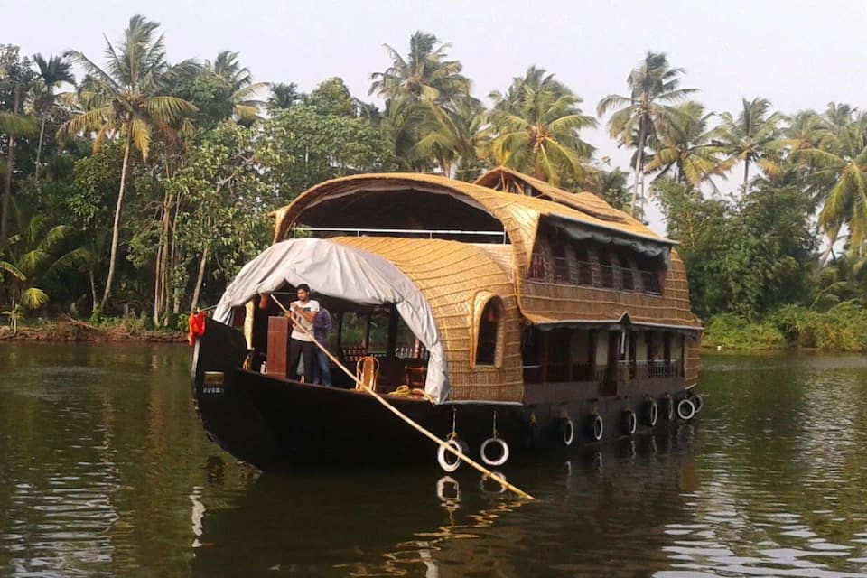 Saffron Houseboat, none, Saffron Houseboat