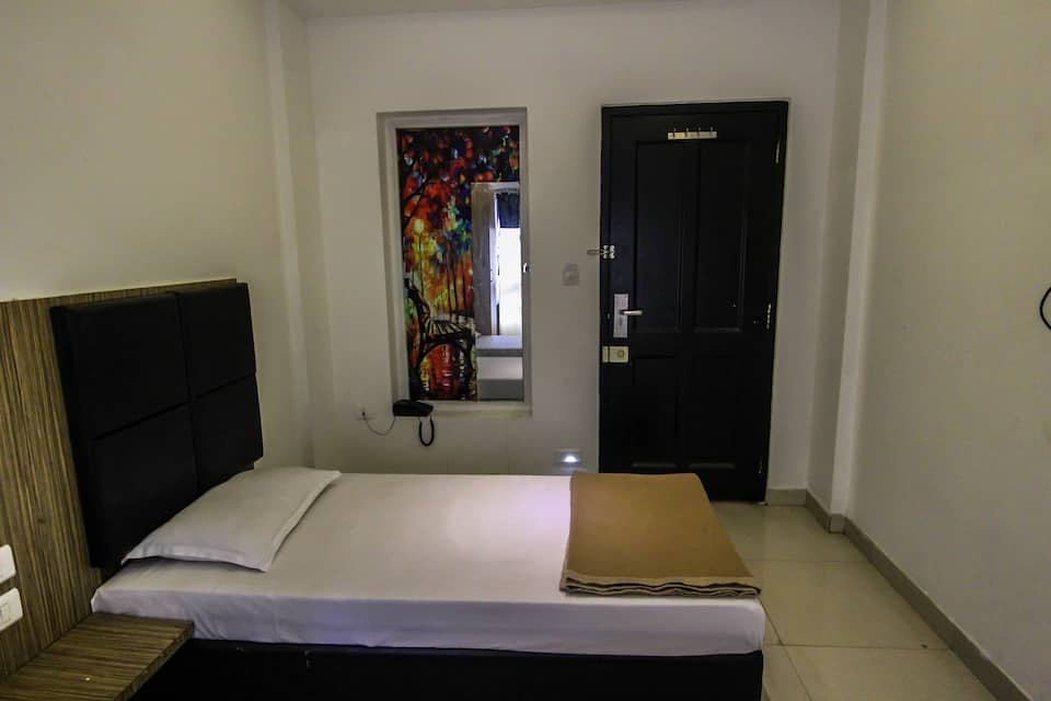 Hotel Royal 34, Shivaji Nagar, Hotel Royal 34