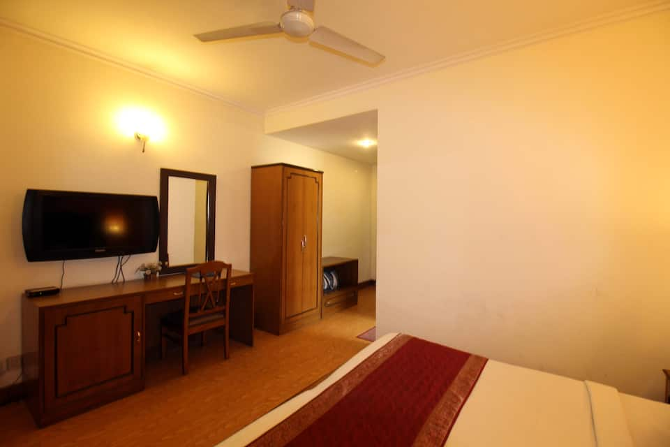 Hotel Smart Villa, DLF Phase II, Hotel Smart Villa