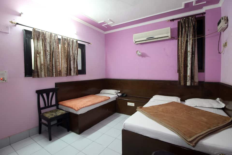 Neelam Palace Deluxe, Paharganj, Neelam Palace Deluxe