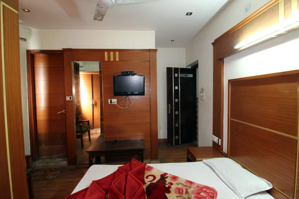 White House Tourist Lodge, Paharganj, White House Tourist Lodge