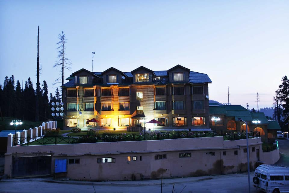 Grand Mumtaz Resorts, Near Gondola, Grand Mumtaz Resorts