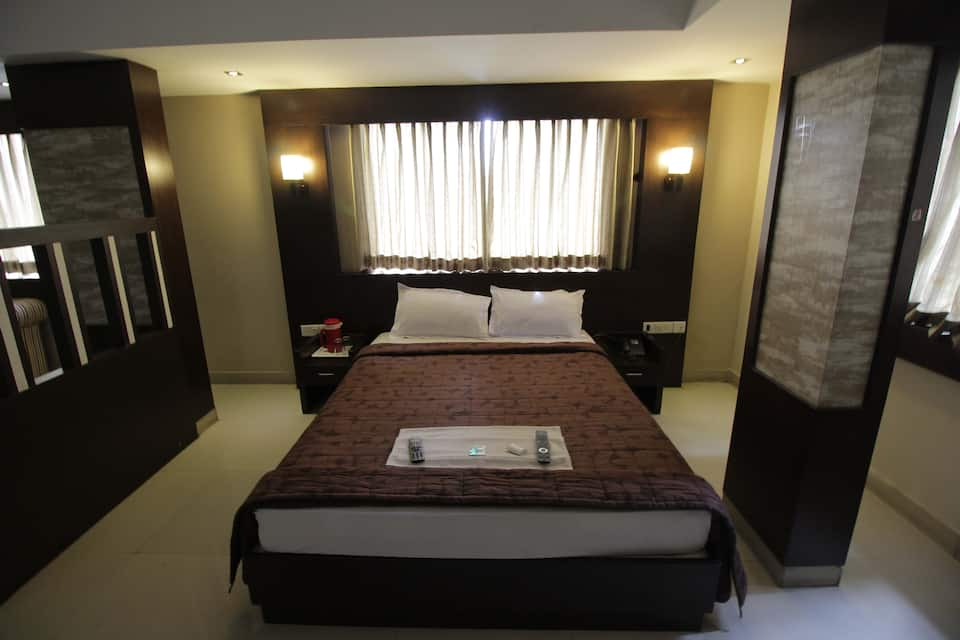 Green Wood Inn & Suites, Near Mysore Palace, Green Wood Inn  Suites