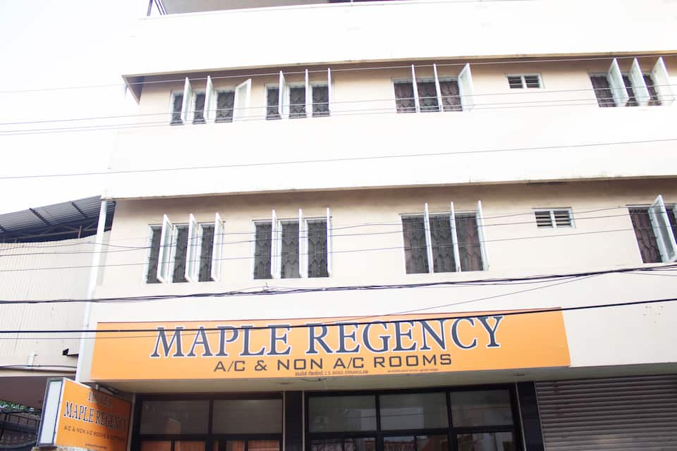 Hotel Maple Regency