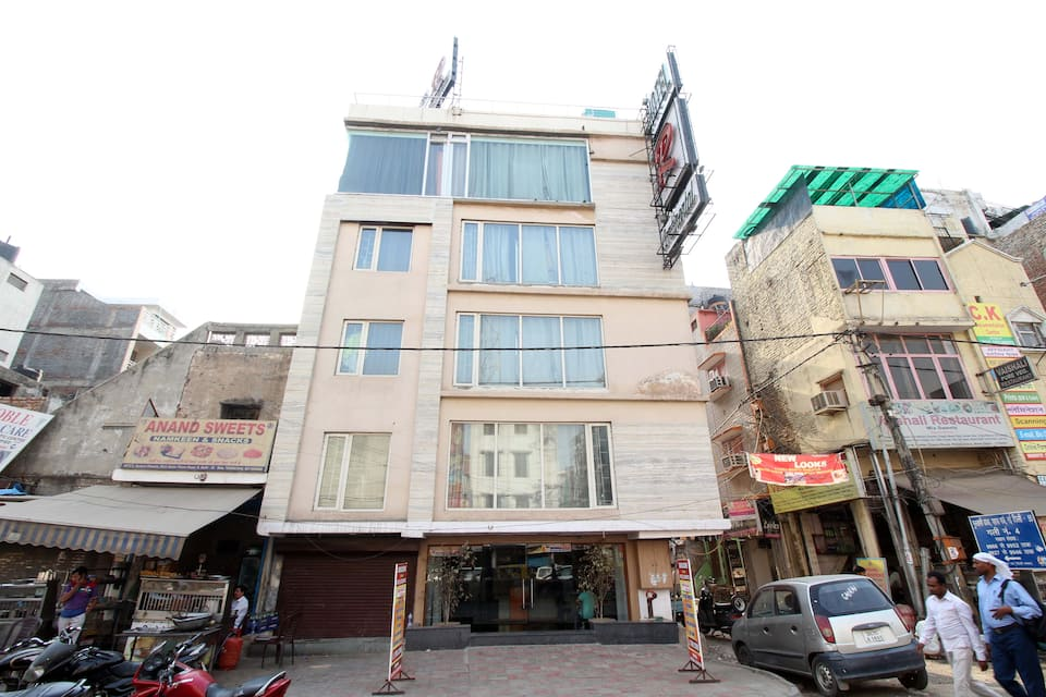 Hotel R Continental, Paharganj, Hotel R Continental
